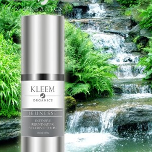 Kleem Facial Hyaluronic Acid Vit C Serum